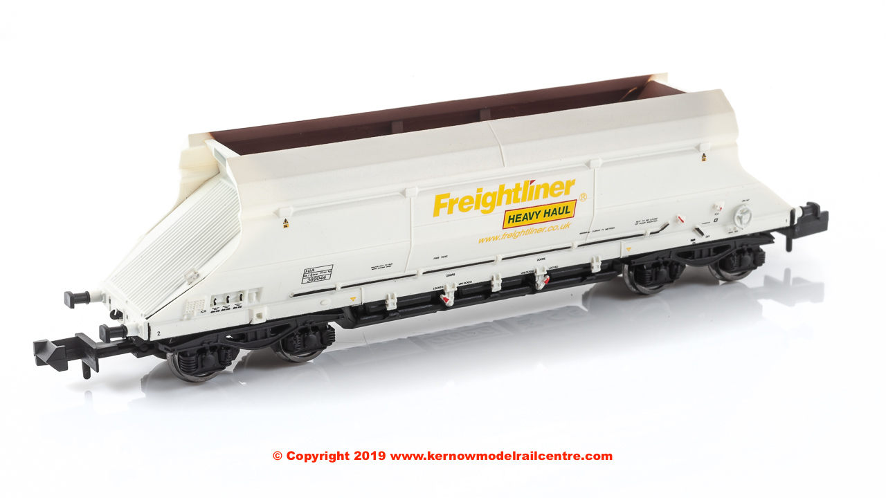 2F-026-004 Dapol HIA Hopper Wagon number 369044 Freightliner Heavy Haul White livery