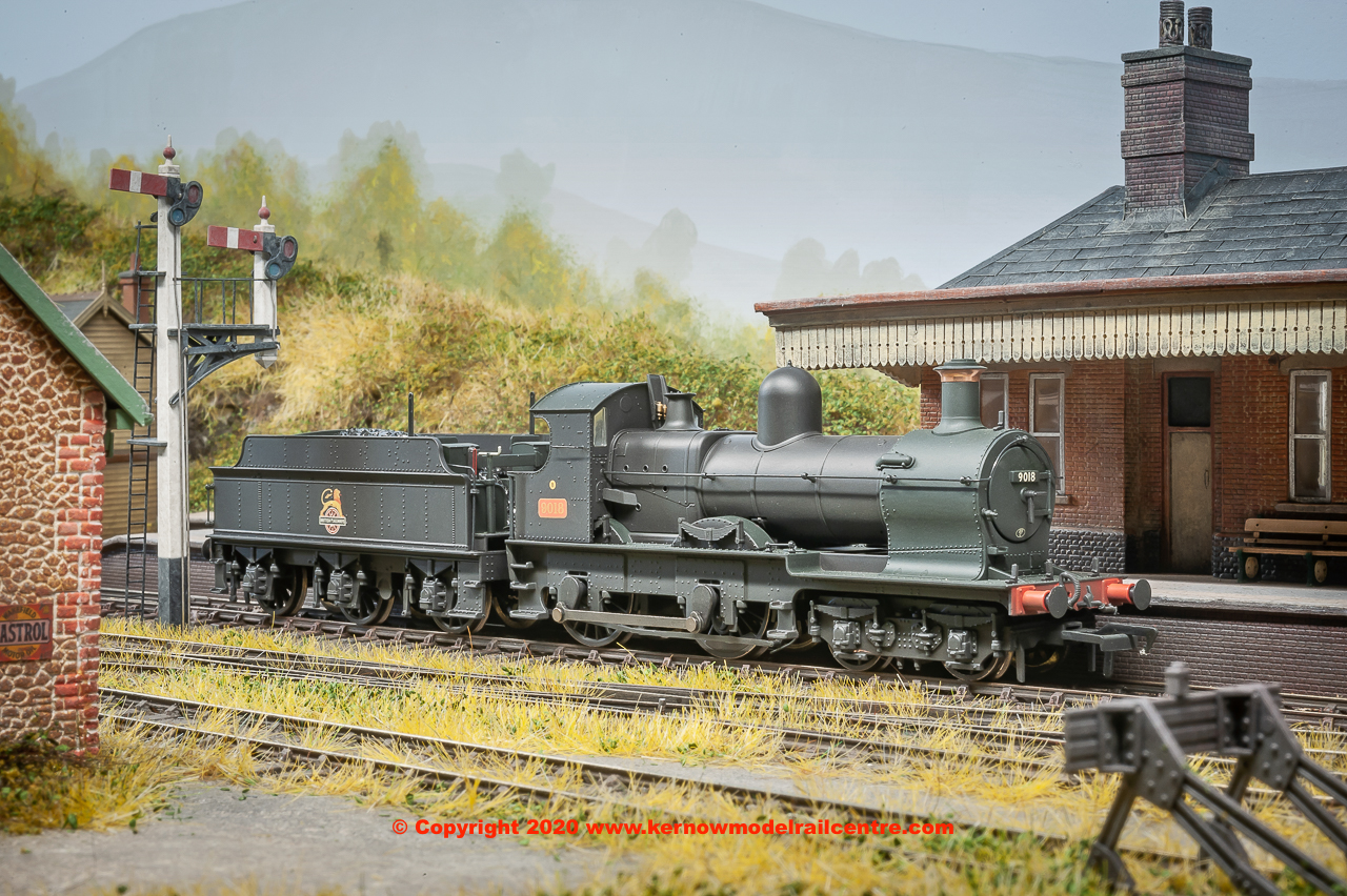31-086A Bachmann 3200 Earl Class Steam Locomotive number 9018 in BR Black livery with early emblem and weathered finish