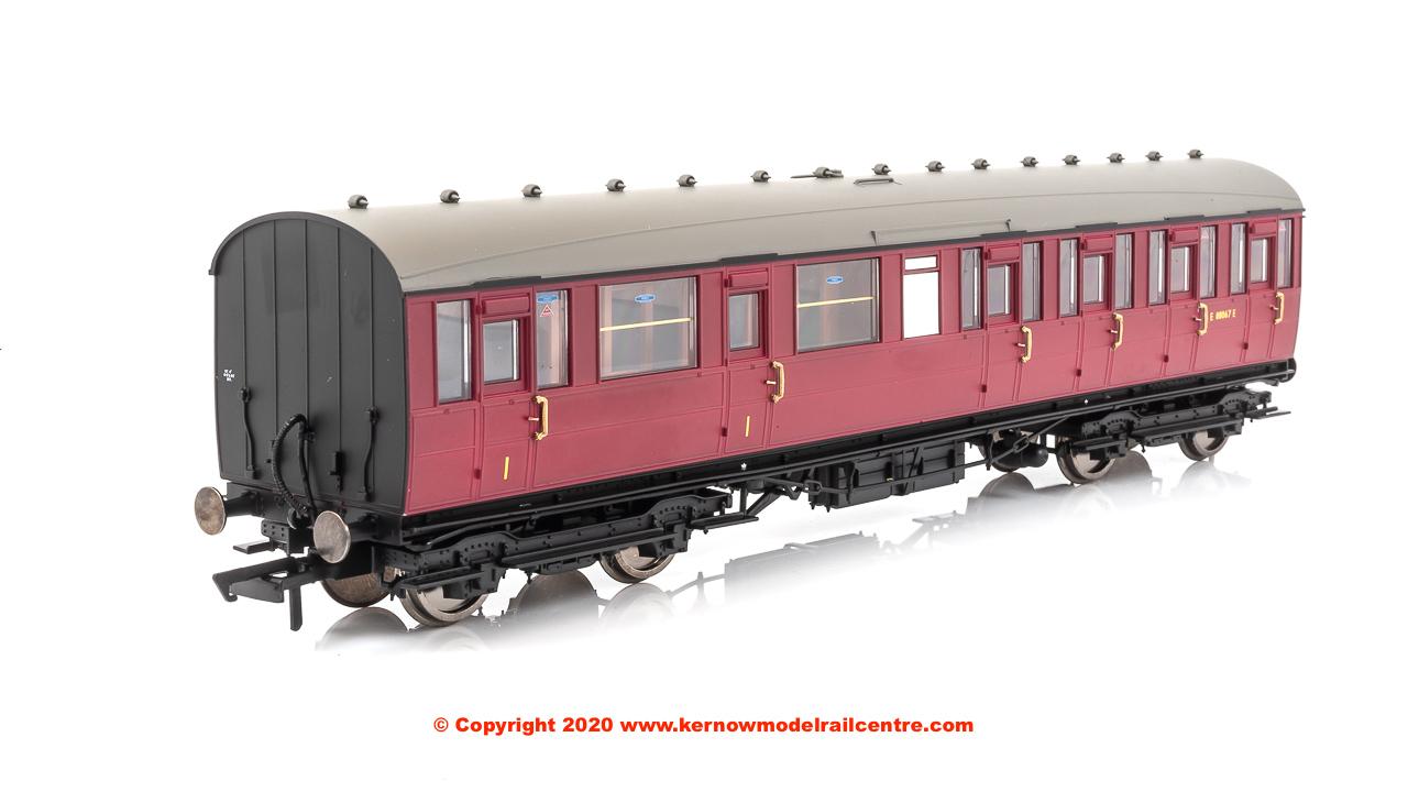 R4521C Hornby 51ft Gresley Non-Vestibuled Suburban Composit Image