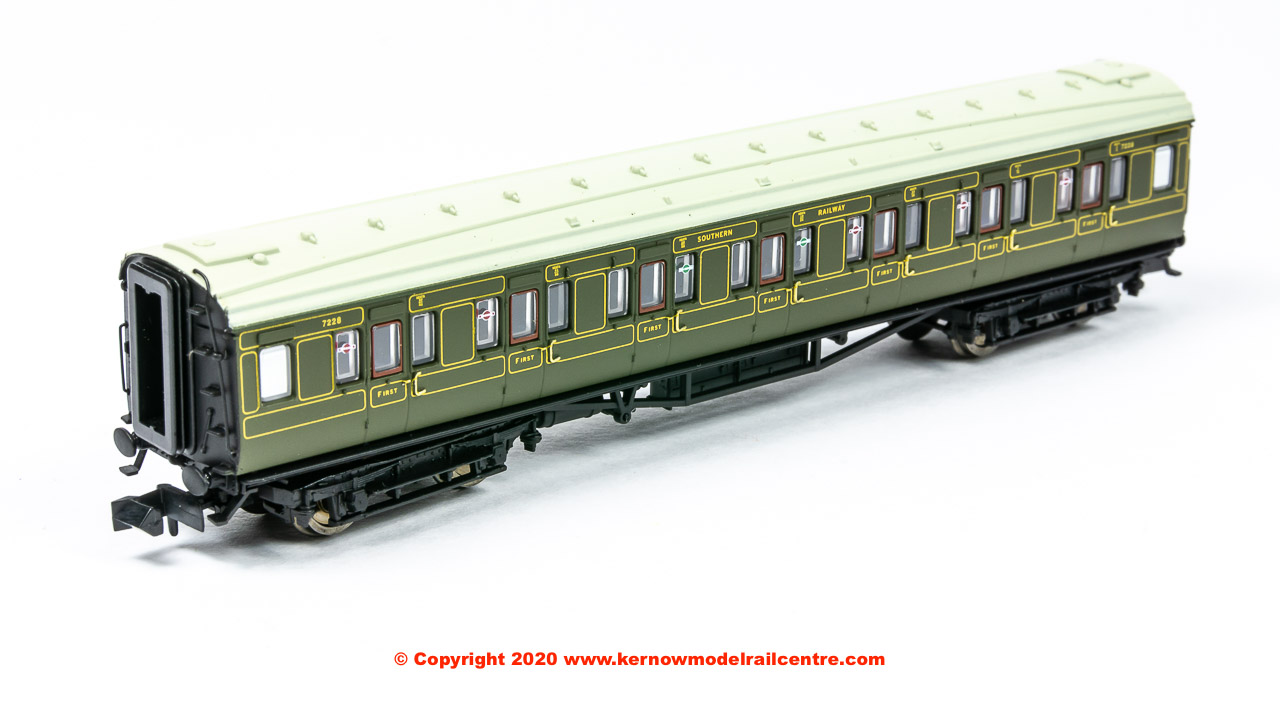 2P-014-060 Dapol Maunsell High Window FK Coach number 7228 in SR Lined Olive Green livery