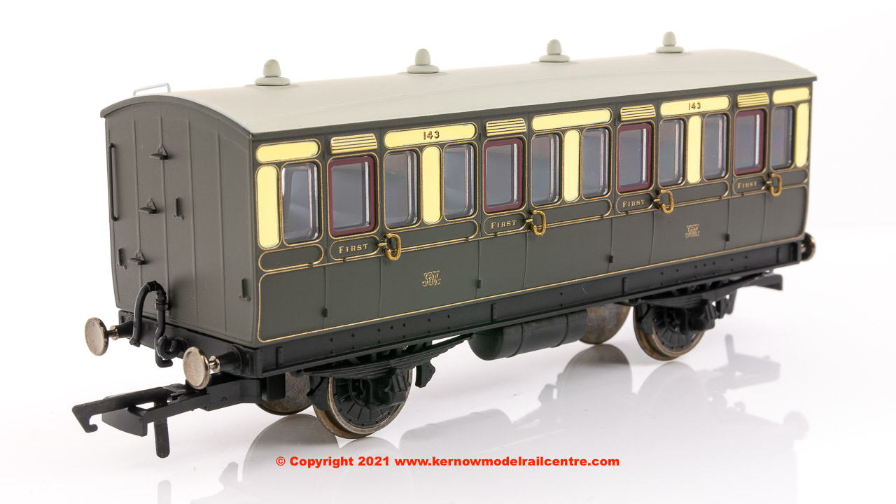 R40065 Hornby GWR 4 Wheel 1st Class Coach number 143 in GWR Chocolate and Cream livery - Era 2 / 3