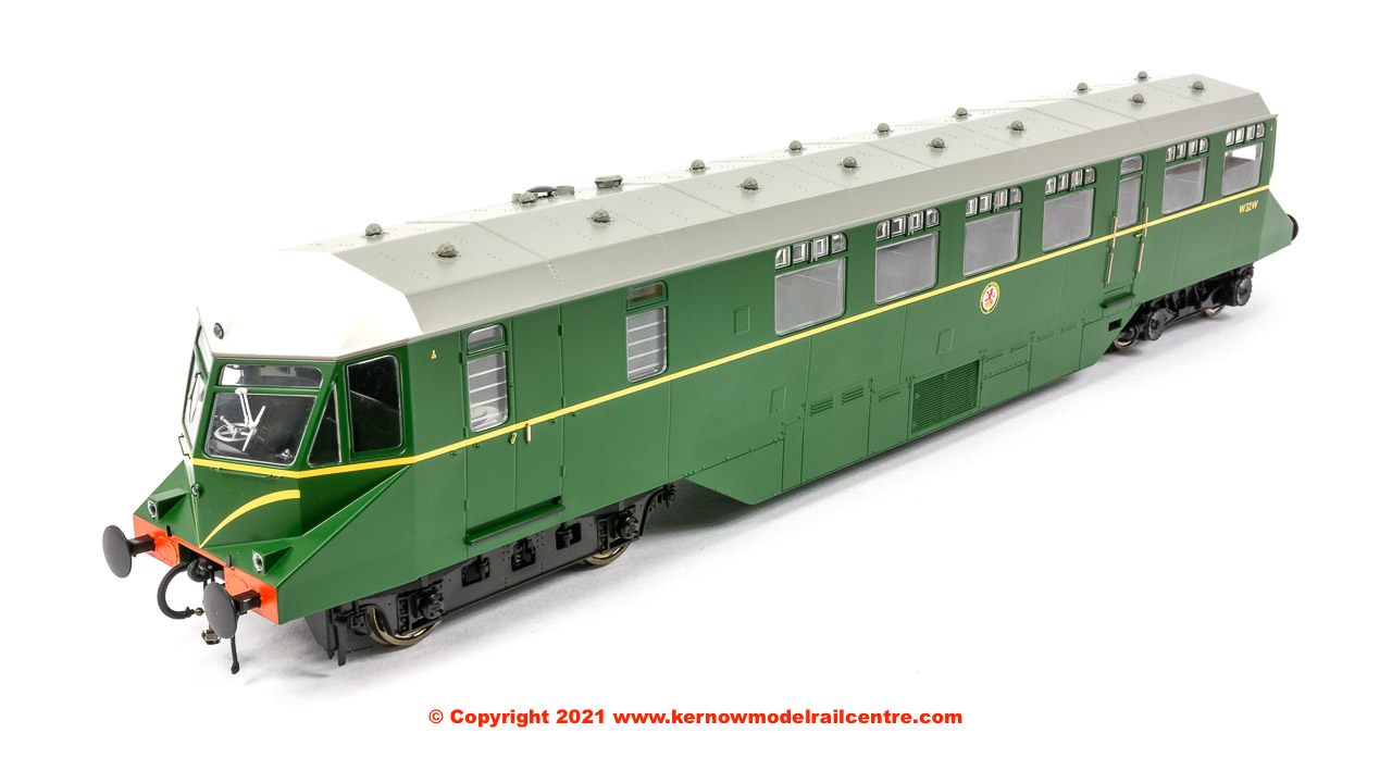 1904 Heljan GWR Railcar number W32W in BR Green livery with speed whiskers