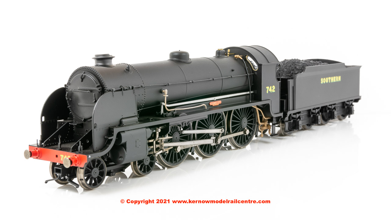 R3527 Hornby N15 King Arthur Class Steam Locomotive number 742 image