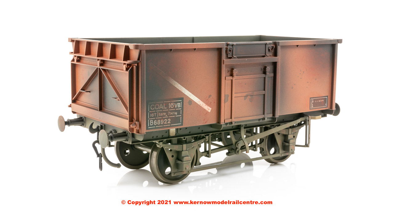 GM7410304 Dapol 16 Ton Mineral Wagon number 68922 - BR Bauxite - Weathered