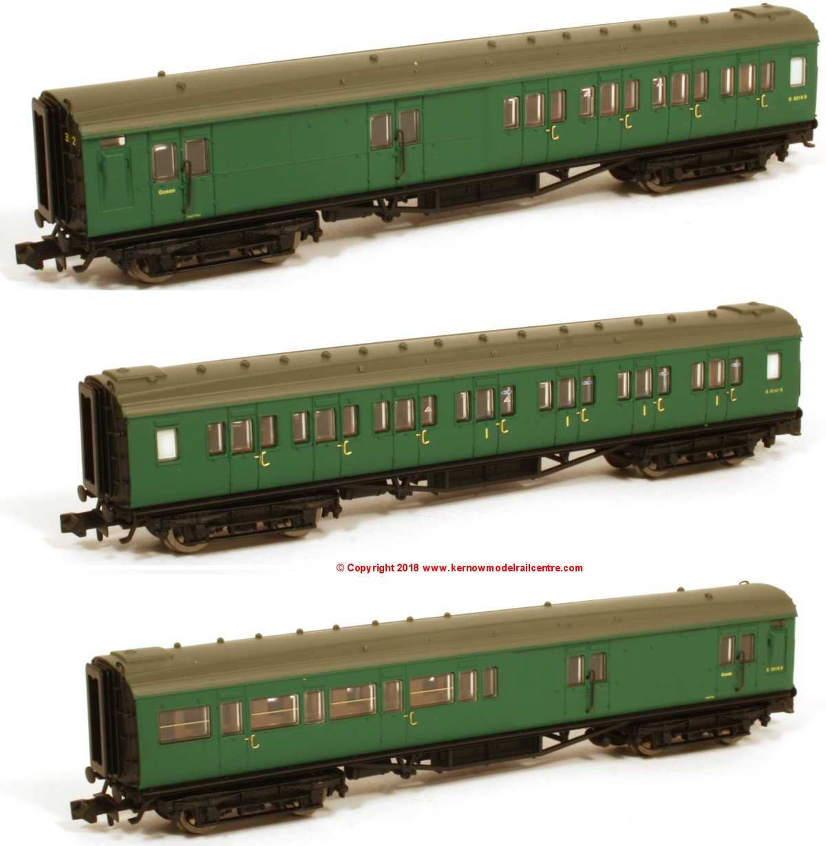 2P-012-551 Dapol Maunsell Coach Set number 392 in BR SR Green livery