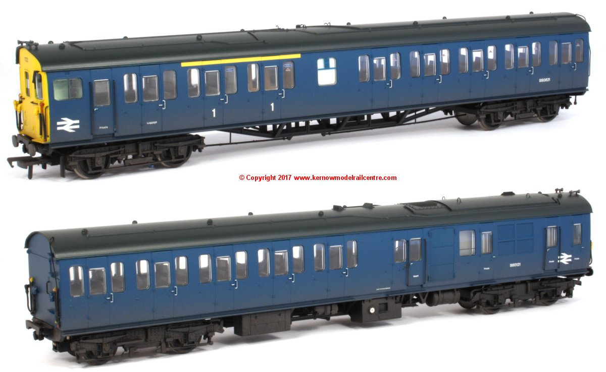 31-238A Bachmann Class 205 Thumper DEMU Set number 1122 in BR Blue livery with Full Yellow Ends and weathered finish