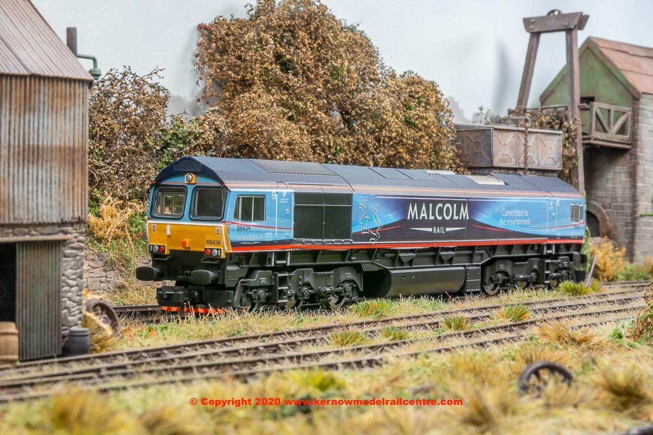 R3920PACK Hornby Class 66 Diesel 66 434 + R8121TTS image