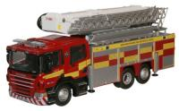 76SAL005 Oxford Diecast Scania ARP Fire Engine in Northamptonshire Fire Rescue livery.
