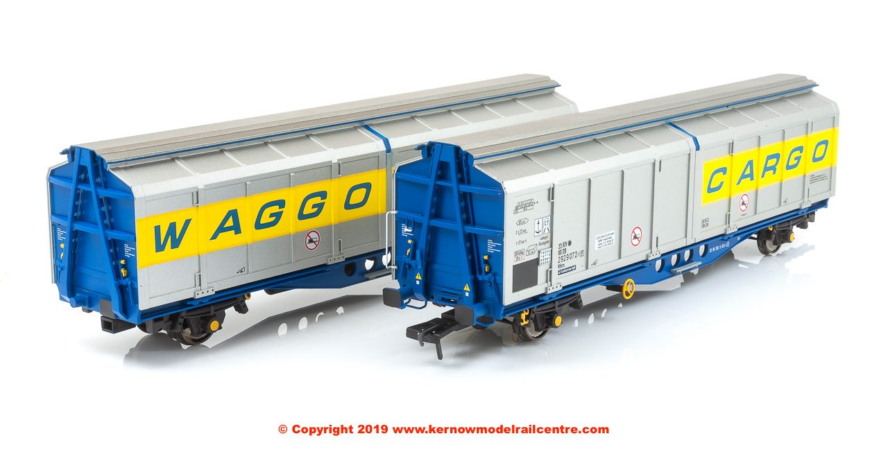 SB008K Revolution Trains IZA Cargowaggon Twin number 2380 2929 072-9 in revised livery with flashing red tail lamp