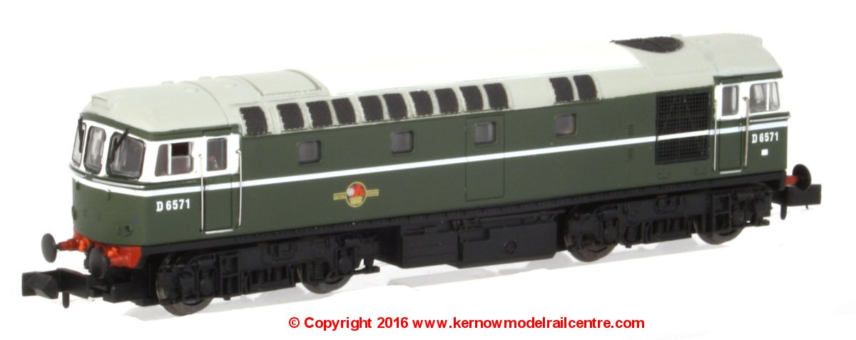 2D-001-001 Dapol Class 33/0 Diesel Locomotive number D6571 in BR Green livery with no yellow panel