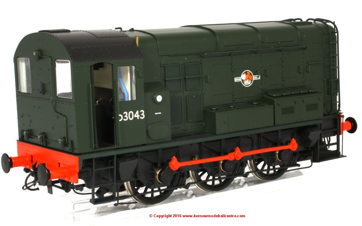 7D-008-000D Dapol Class 08 Diesel Locomotive number D3043 in BR Green livery with late crest and no yellow warning panels