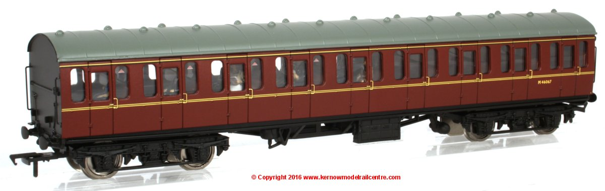 34-604C Bachmann BR MK1 Suburban Open Coach number M46067 in BR Lined Maroon livery