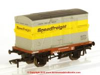 37-952 Bachmann Conflat A Wagon number B707245 in BR Bauxite livery with BD Container number BD47571B in Speedfreight livery