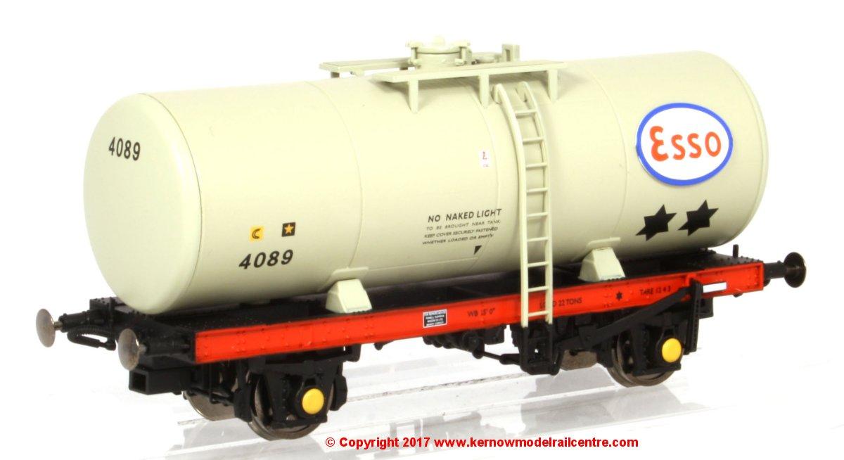 1152 Heljan Esso A Tank Wagon Image