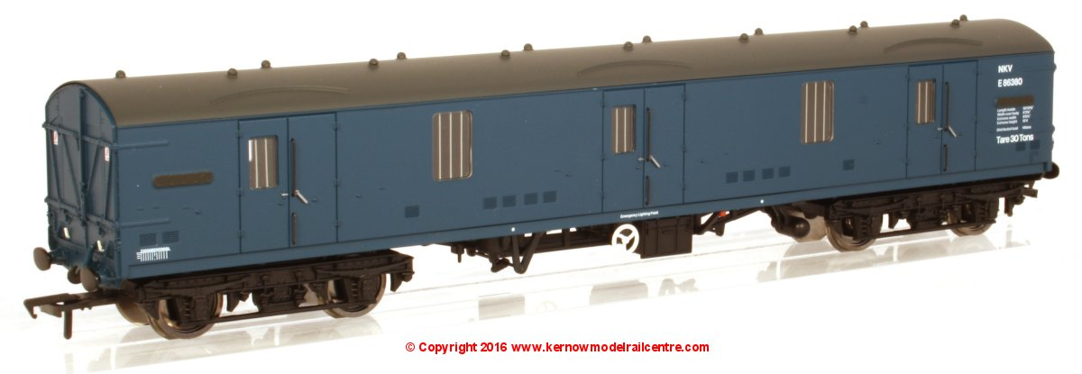39-277 Bachmann BR Mk1 GUV Coach NKV number E86380 in BR Blue livery