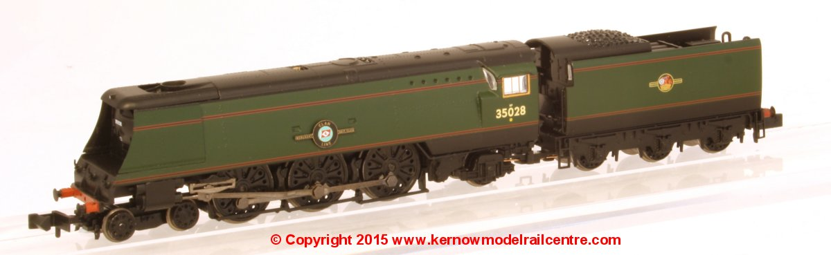372-312 Graham Farish Merchant Navy Class Steam Locomotive Image