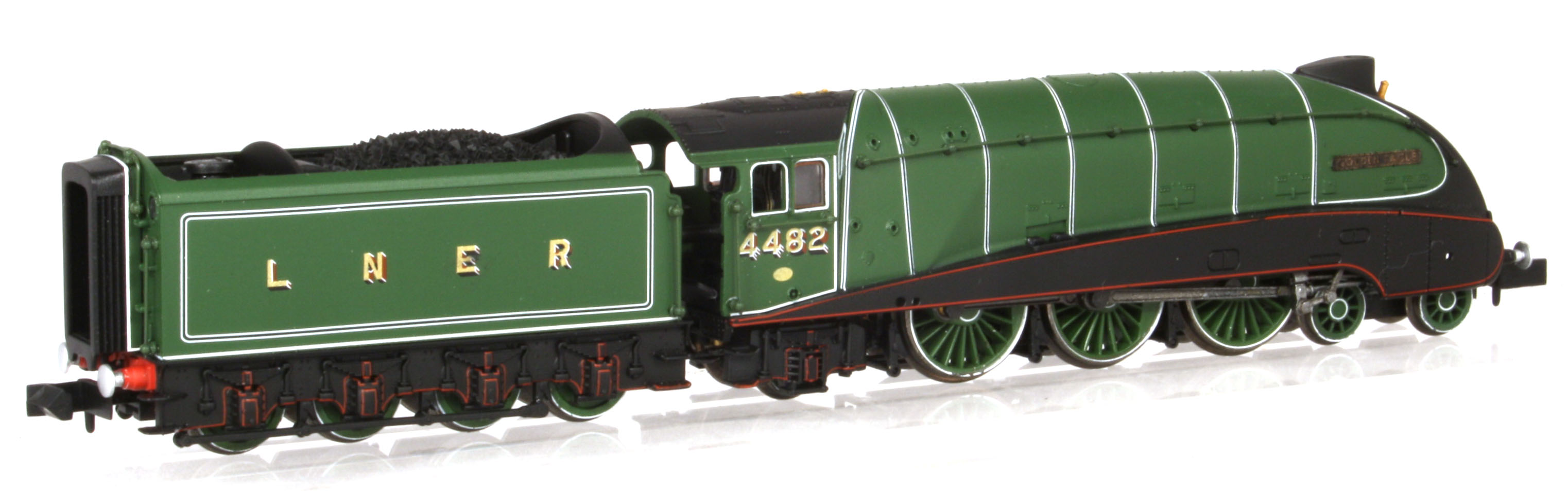 "2S-008-010D Dapol A4 Steam Locomotive number 4482 named ""Golden Eagle"" in LNER Green livery with valances"