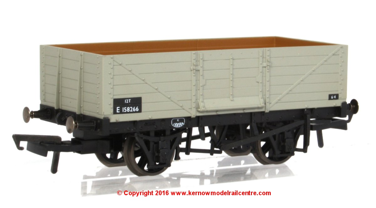 76MW6002 Oxford Rail 6 Plank Wagon Image