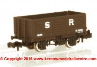 377-089 Graham Farish 7 Plank Fixed End Wagon number 18166 in SR Brown livery