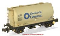 377-925A Graham Farish PCA Metalair Bulk Powder Wagon number 11026 in Blue Circle Cement livery with weathered finish
