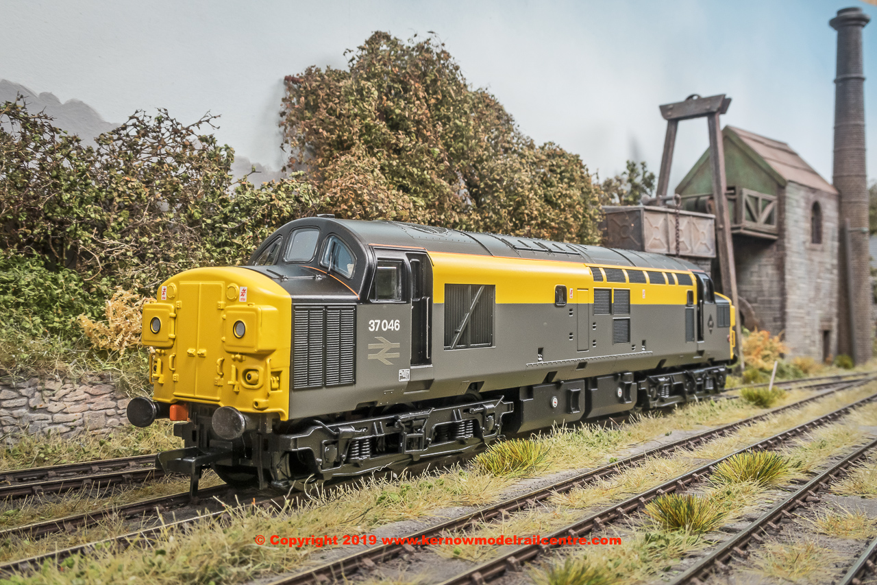 32-792 Bachmann Class 37/0 Diesel Locomotive number 37 046 in BR Grey & Yellow 'Dutch' livery
