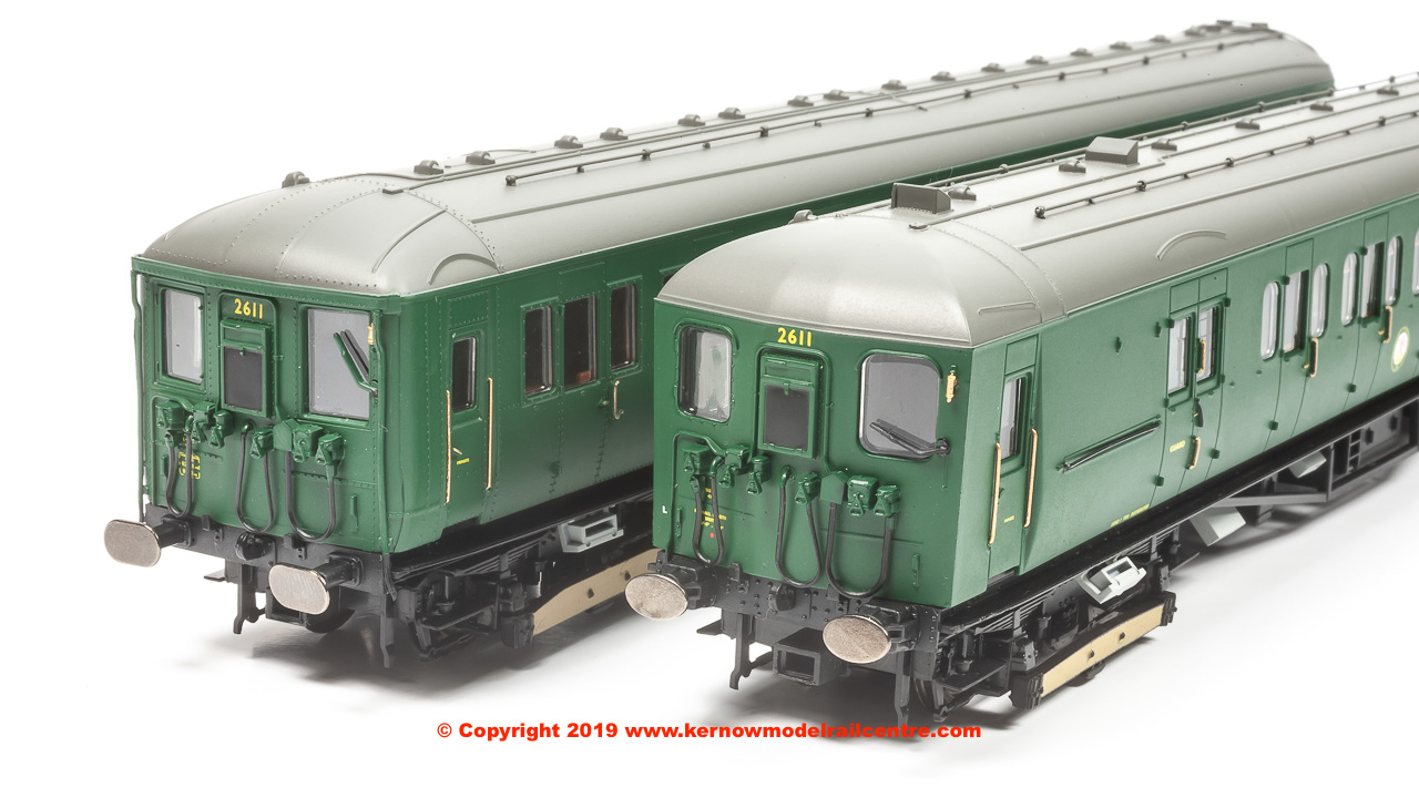 R3699 Hornby 2-HIL Electric Multiple Unit number 2611 in BR Green livery