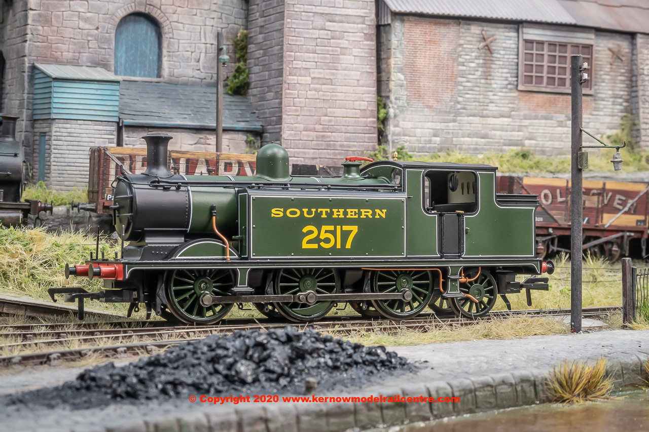 35-076A Bachmann Class E4 0-6-2 Steam Locomotive number 2517 in Southern Green livery