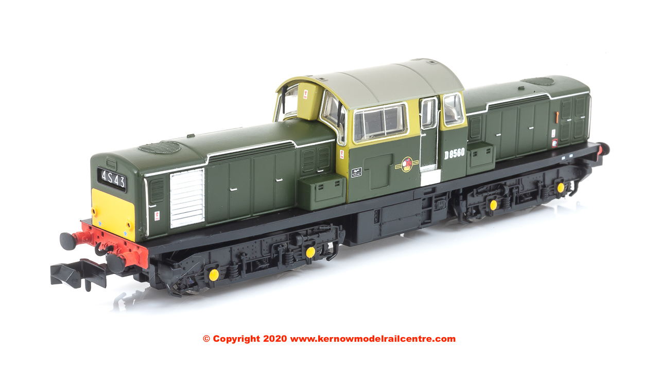E84503 Class 17 Diesel Locomotive number D8560 in BR Green livery with small yellow panels