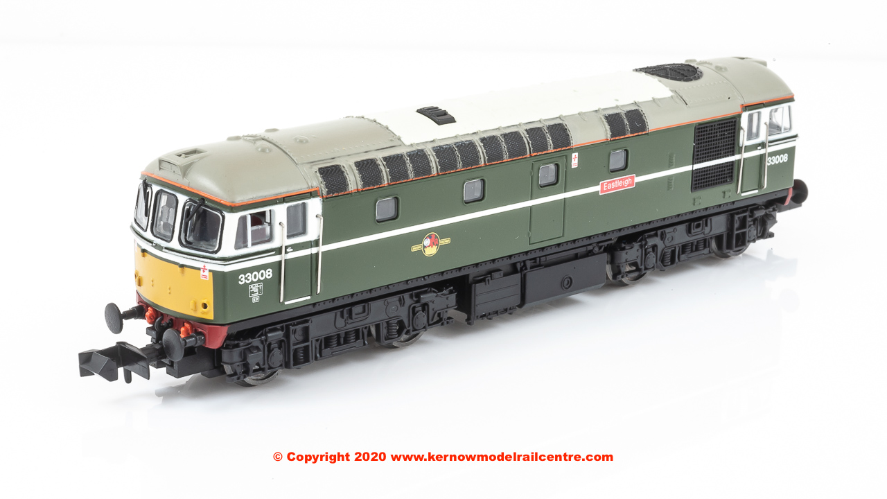 "2D-001-006D Dapol Class 33/0 Locomotive number 33008 named ""Eastleigh"" In BR Green Livery with small yellow panel"