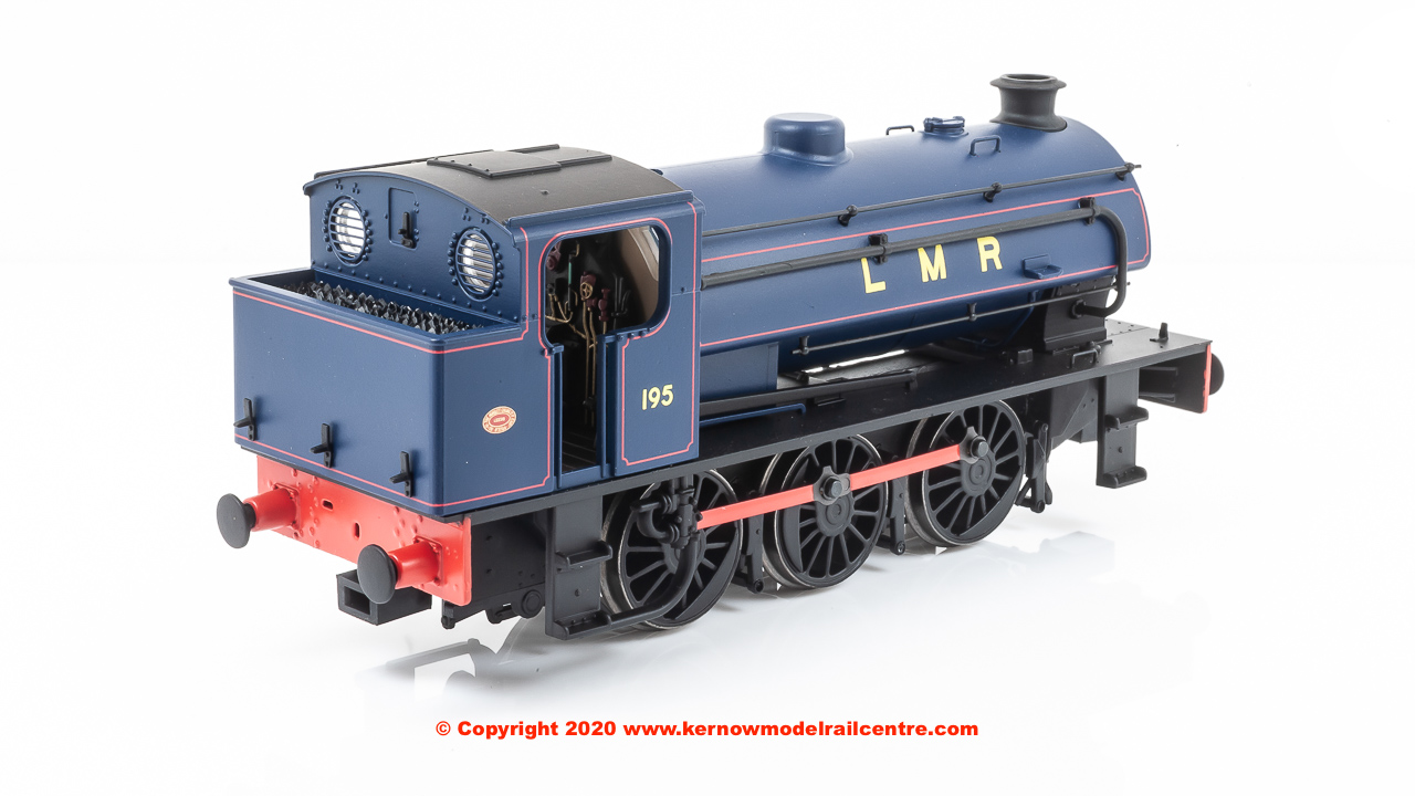 E85005 EFE Rail Class J94 0-6-0 Steam Locomotive number 195 in Lomgmoor Military Railway livery