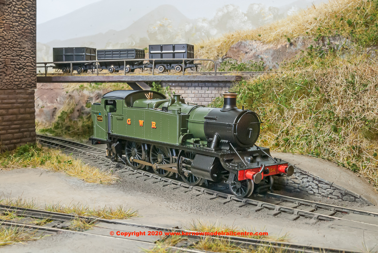 R3719 Hornby GWR Class 5101 2-6-2T Large Prairie Steam Locomotive number 4154 in GWR Green livery