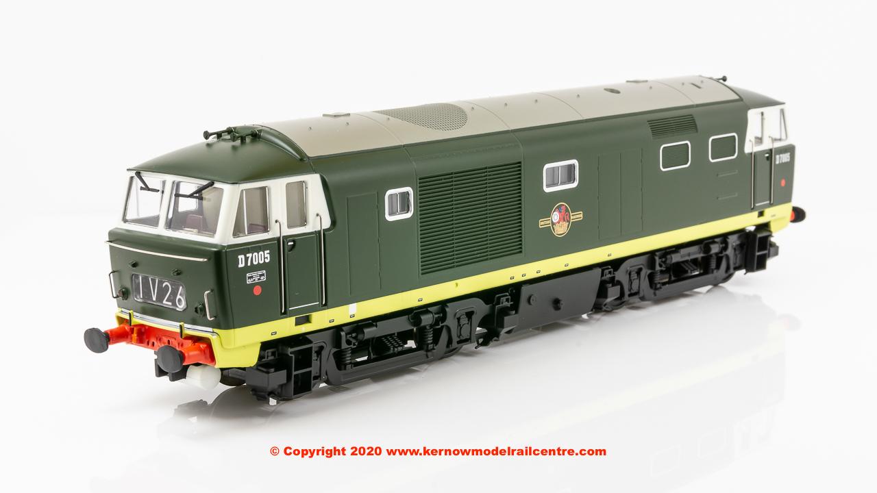 E84001 EFE Rail Hymek Diesel Locomotive number D7005 in BR green