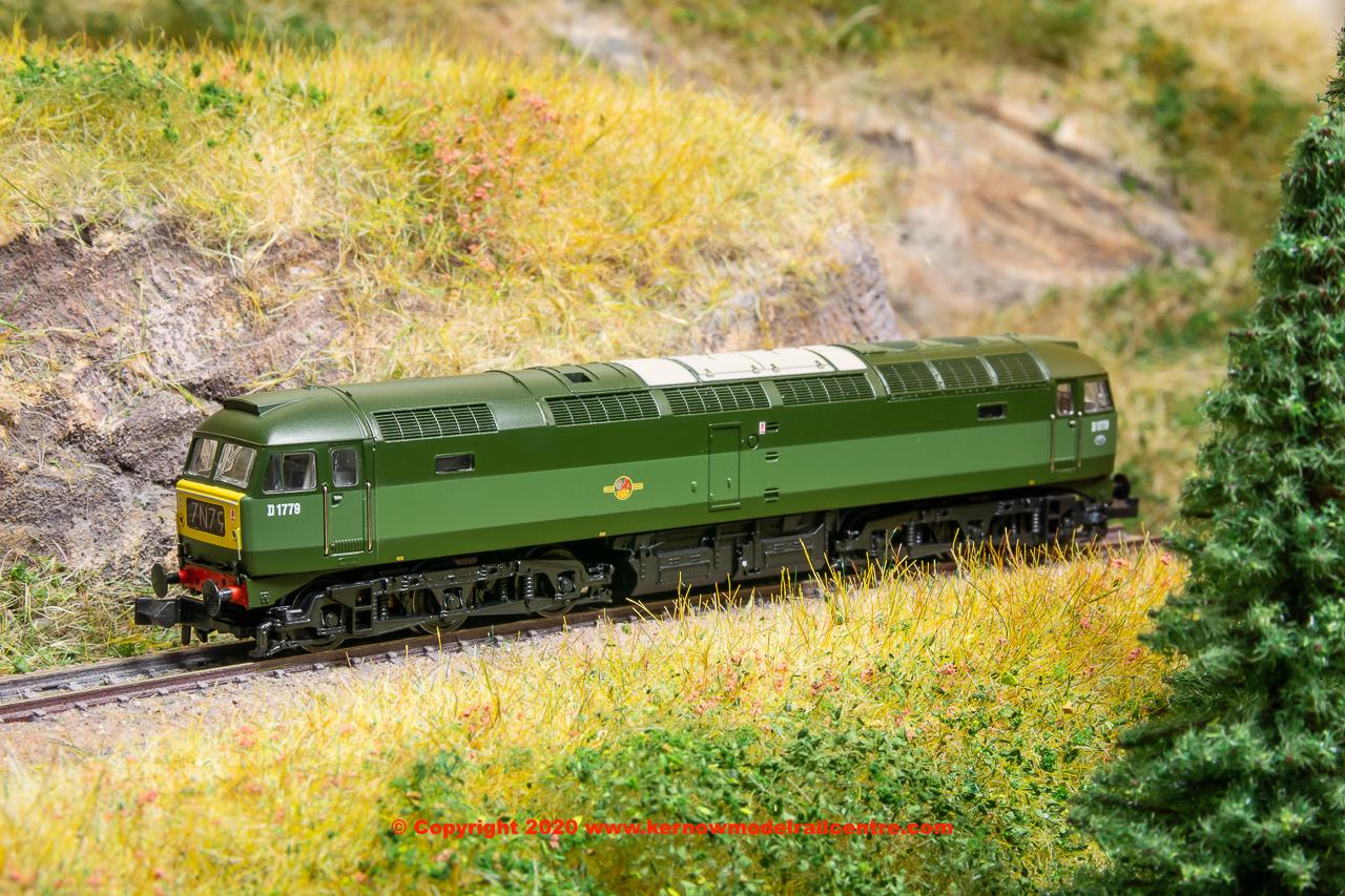 371-825C Graham Farish Class 47 BR Green Image