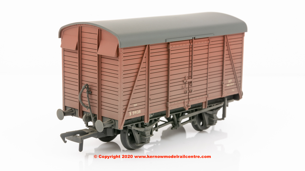 38-082D Bachmann SR 12T 2+2 Planked Ventilated Van