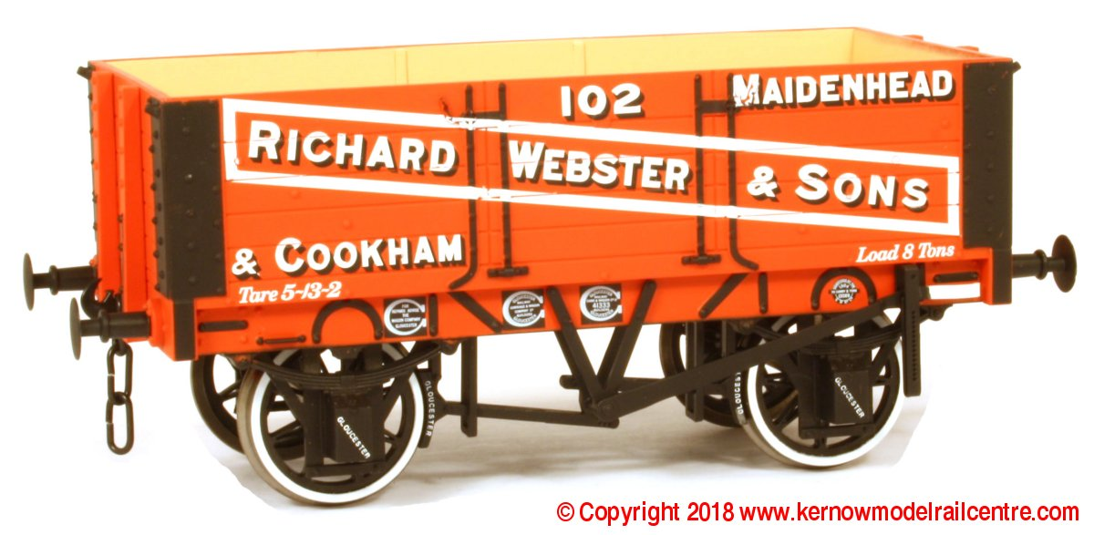 7F-052-002 Dapol 5 Plank Wagon 9' Wheelbase Richard Webster & Sons 102