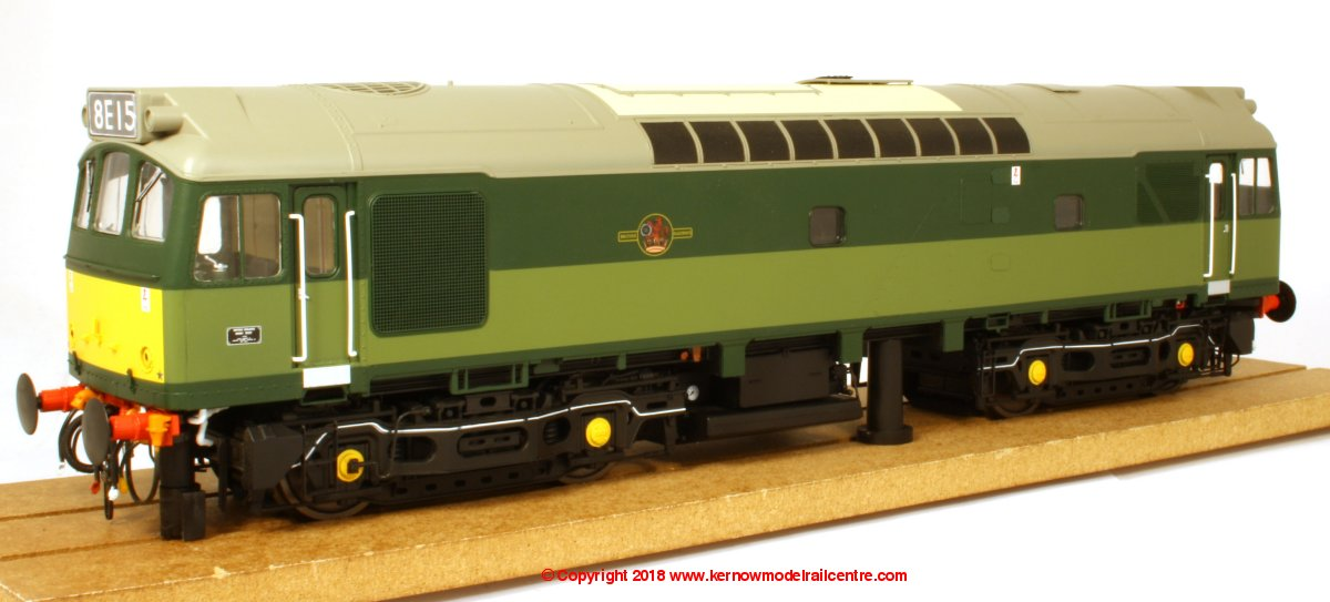 2555 Heljan Class 25/3 Diesel Locomotive in BR Green livery with Small Yellow Panels