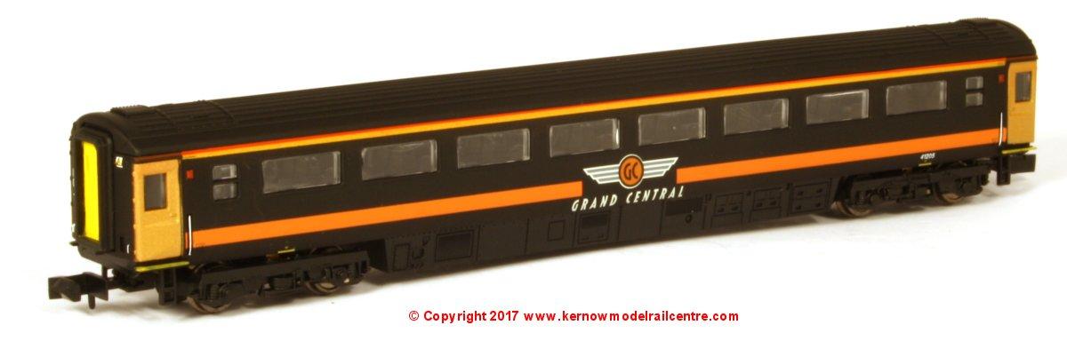 2P-005-980 Dapol Mk3 Coach Grand Central Image
