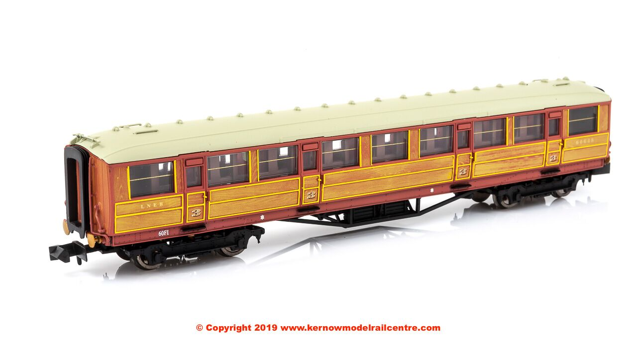 2P-011-011 Dapol Gresley Corridor 3rd Class Coach number 60648 in LNER Teak livery