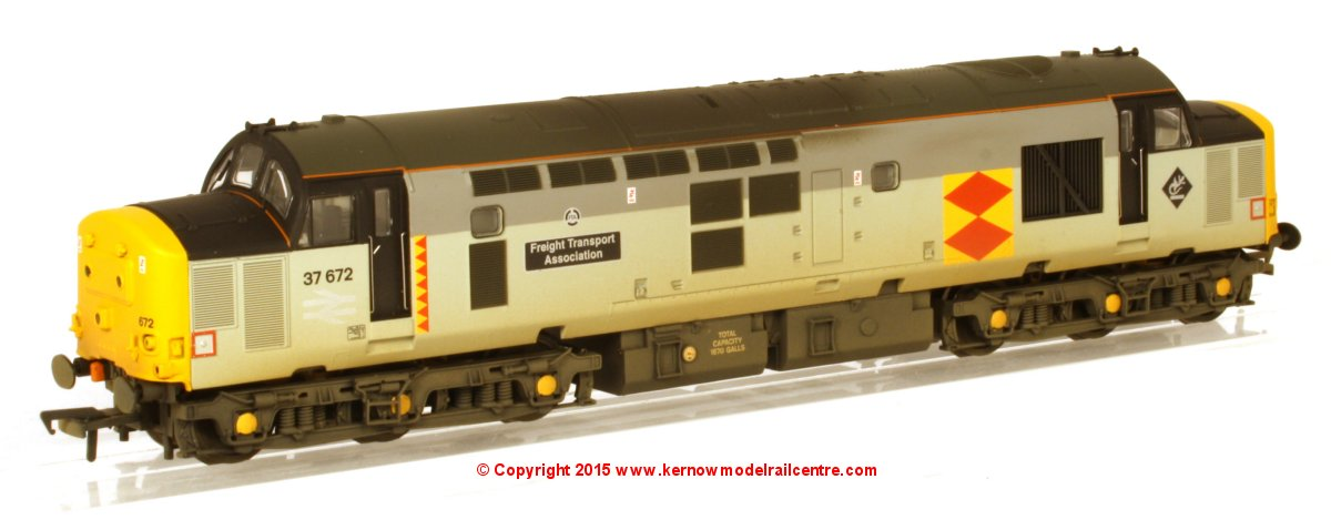 "32-384ZDS Bachmann Class 37 Diesel Locomotive number 37 672 named ""Freight Transport Association"" in Railfreight Distribution livery"