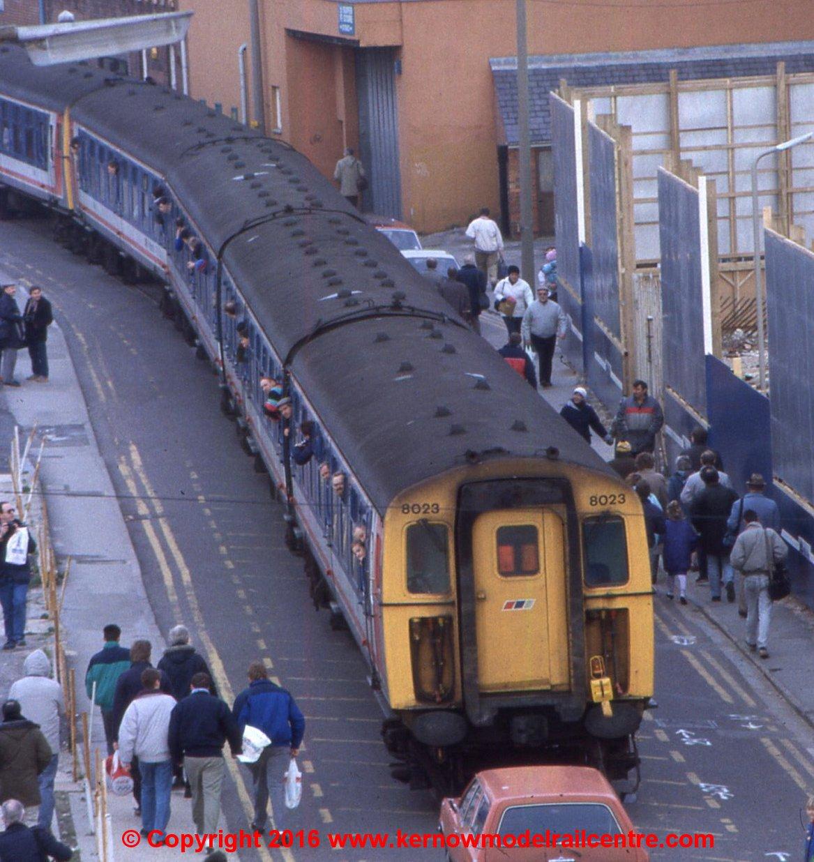 32-643Z Bachmann Class 438 4-TC unit Image