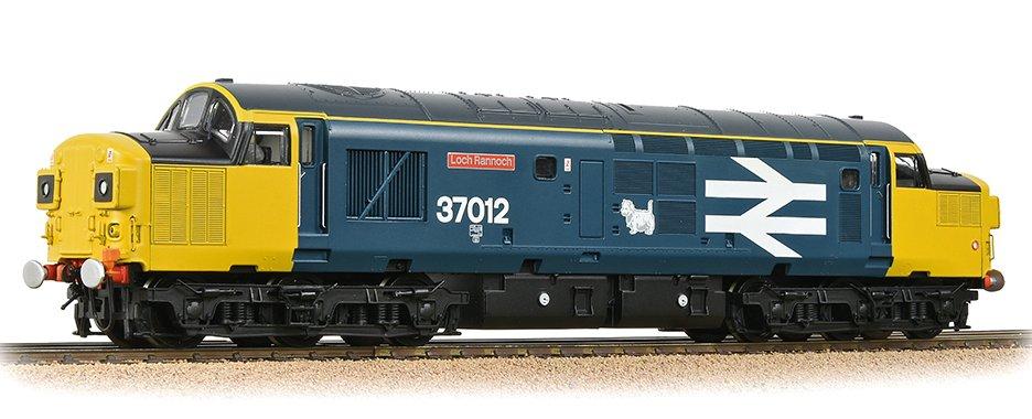 32-790A Bachmann Class 37 Diesel Loco Loch Rannoch Image