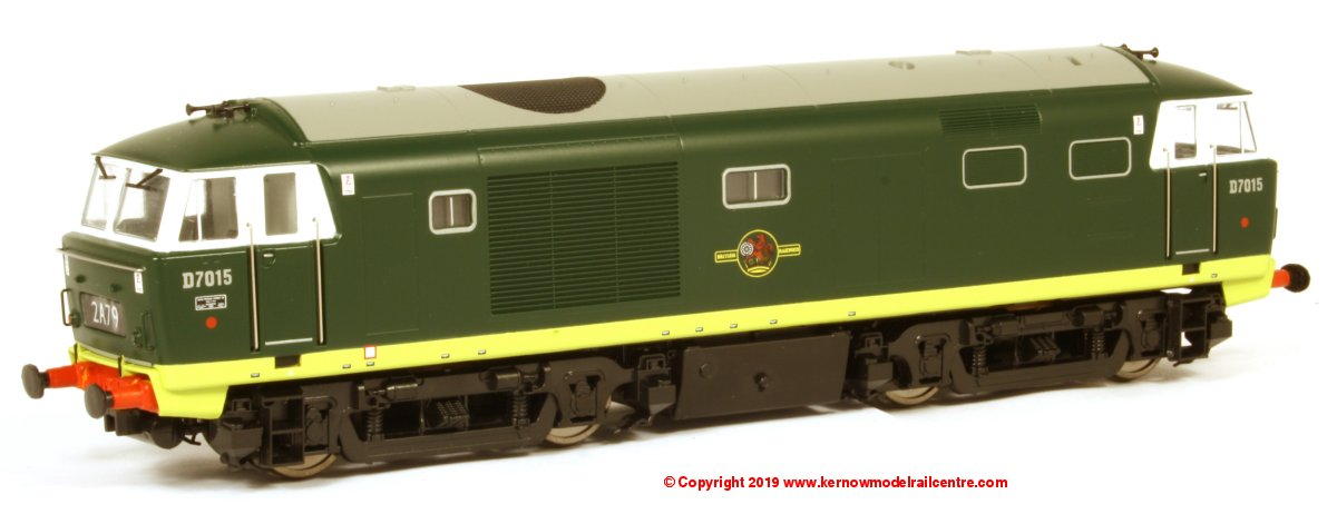 35261 Heljan Class 35 Hymek Diesel Locomotive number D7015 in BR Green livery