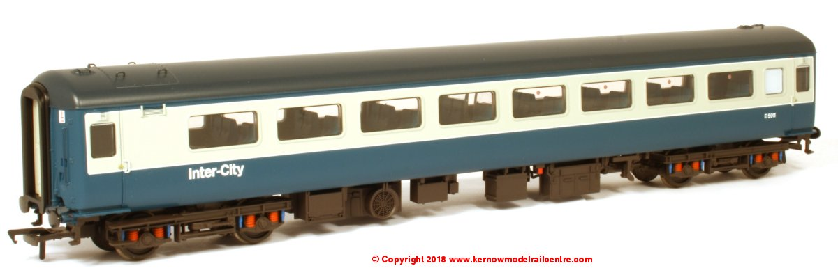 39-675 Bachmann BR Mk2F TSO Tourist Second Open Coach number E5911 in BR Blue & Grey livery