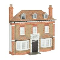 44-0204 Bachmann Scenecraft Low Relief Cottage Hospital