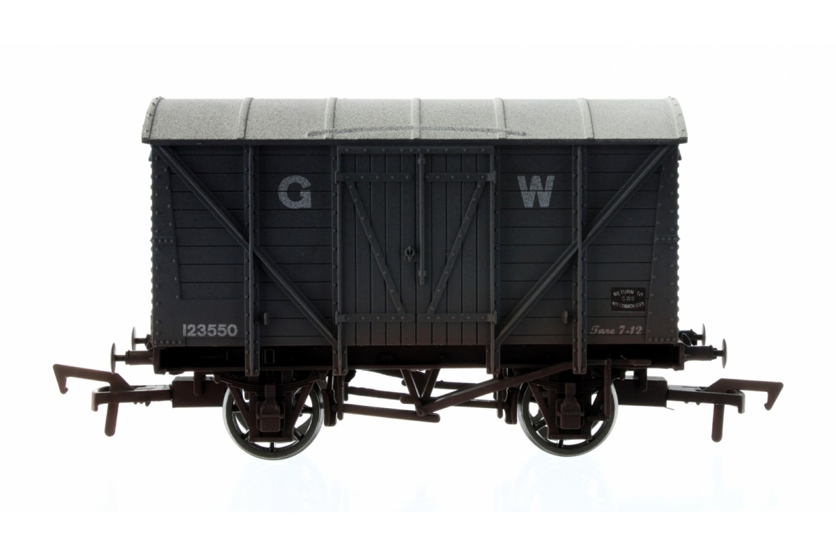 4F-012-022 Dapol Ventilated Van number 123550 in GWR Grey livery with weathered finish
