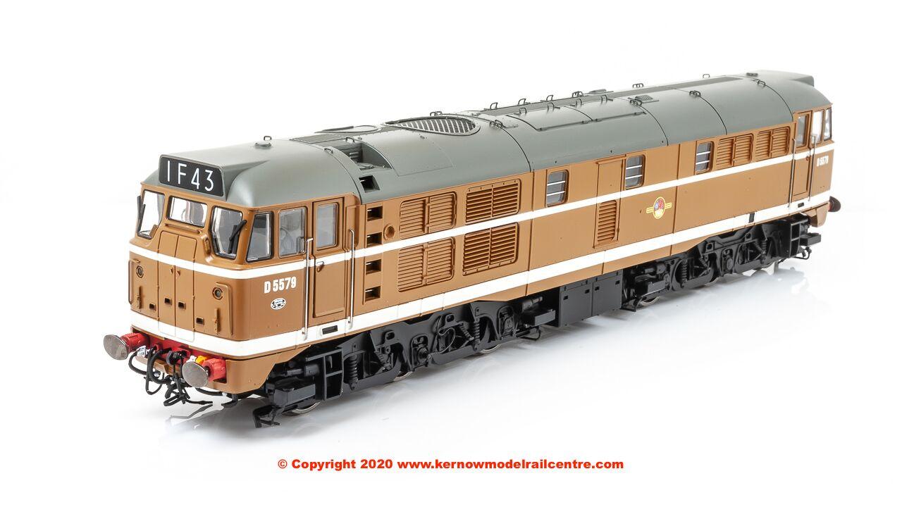 R3674 Hornby Class 31 Diesel Golden Ochre Image