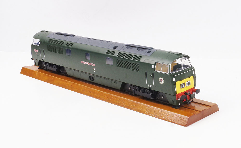 "5285 Heljan Class 52 Western Diesel Locomotive number D1035 named ""Western Yeoman"" in BR Green with small yellow panels"