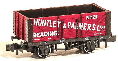 NR-P425 Peco Huntley and Palmers Wagon Image