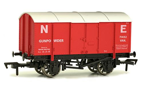 4F-013-015 Dapol Gunpowder number 71432 in NE Red livery