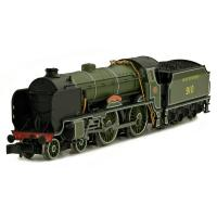 "2S-002-004 Dapol Schools Class 4-4-0 Steam Locomotive number 910 named ""Merchant Taylors"" in SR Maunsell Green livery"
